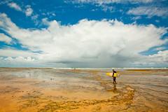 Praia do Forte, Bahia. (let's fotografar) Tags: sky storm praia beach clouds skyscape landscape surf cu bahia nuvens praiadoforte tempestade