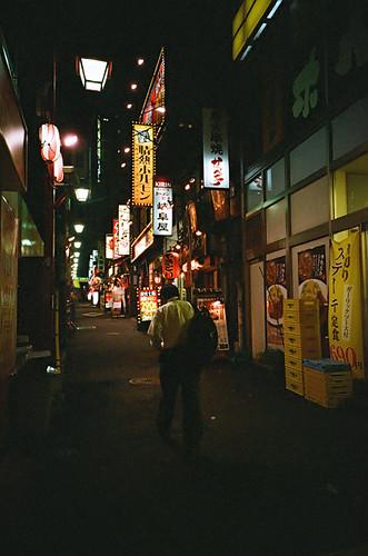 新宿街景 午夜前 01