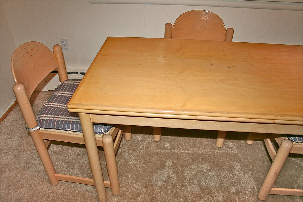 Maple Dining Table w/ Chairs
