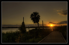 """Camino al Sol"" Bradenton-Florida VIEW LARGE (Javier Huanay) Tags: light sunset nature silhouette clouds atardecer landscapes nikon aqua shadows florida outdoor nubes sarasota sunrays javier bradenton jiggs slihouette d80 blinkagain huanay"