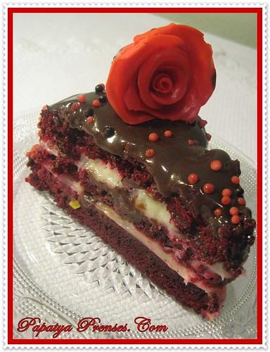 red velvet cake 021