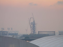 The Orbit, topped out (wawd) Tags: london construction october olympics anishkapoor olympicpark complete 2012 arcelor 2011 mittal theorbit arcelormittal toppedout toploop