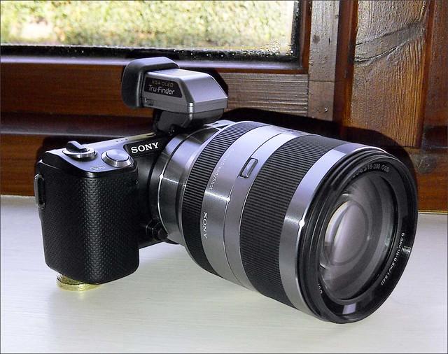 Sony NEX-5N 18-200mm