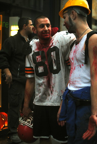 street halloween 35mm football outfit blood nikon zombie walk player nikkor lille d3000