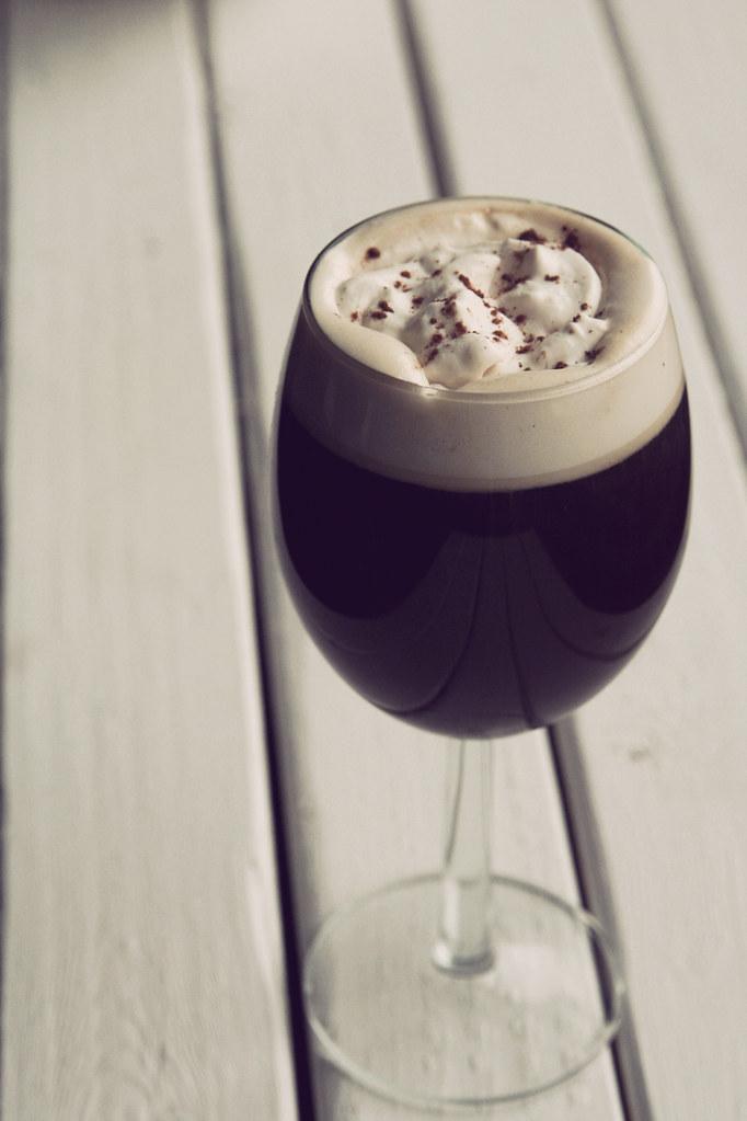 COFFEE & WHIP