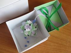 Sonobe variation & Gift Box (ronatka) Tags: star origami box gift modularorigami kusudama tomokofuse sonobe bascetta withbeads