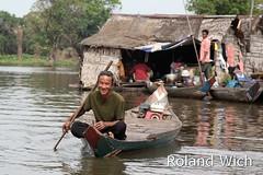 Cambodia - Along the river (Rolandito.) Tags: trip boat cambodge cambodia kambodscha ride siem reap battambang