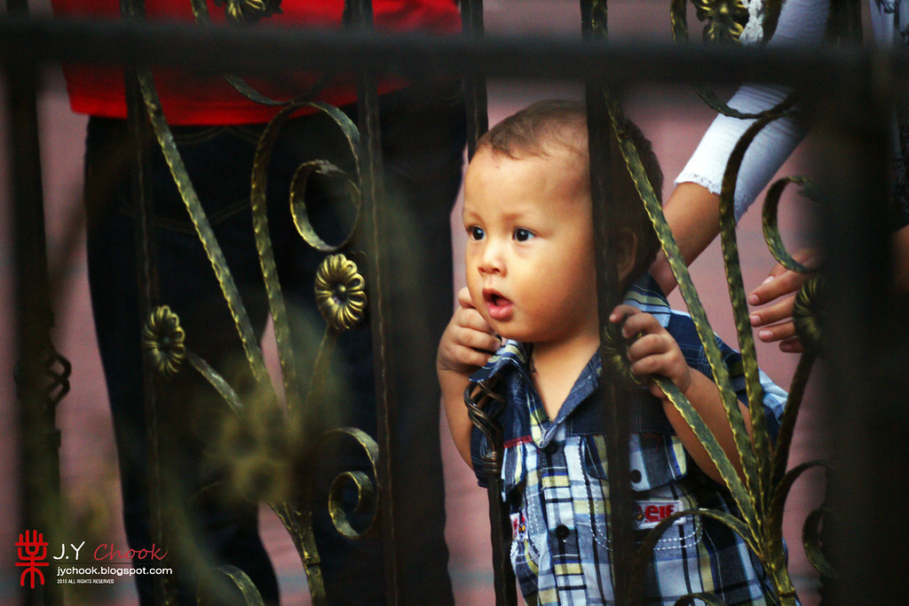 Kid at Batu Caves
