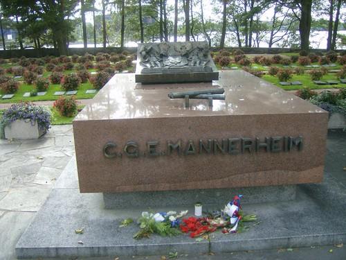 Tumba del mariscal finlandés, alto mando durante la guerra y presidente de Finlandia después. Uno de los finlandeses más célebres de su historia.