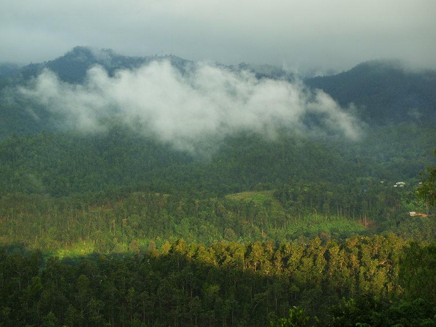 Clouds & Mountains. Mae Hong Son