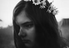(mari-ann curtis) Tags: light sunset summer bw film daisies 35mm emily brittany wind sister crown mariann cabellou