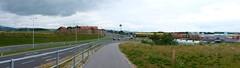 Pasching (austrianpsycho) Tags: feld landschaft weg pasching einkaufszentrum strase unoshopping