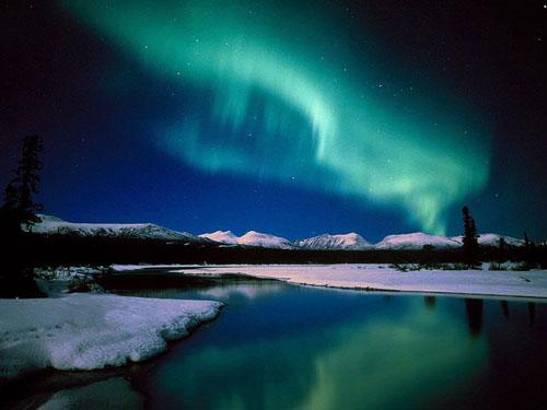 Aurora_Lake_2.jpg