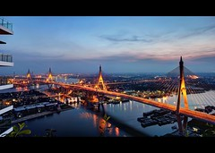 Bhumibol Mega Bridge in Widesceen | Bangkok (I Prahin | www.southeastasia-images.com) Tags: night canon thailand lights canal king bangkok cables nocturne spans chaophrayariver samutprakan floodprevention bangkrajao royalproject phrapradaeng industrialringroadbridge ladphosluice