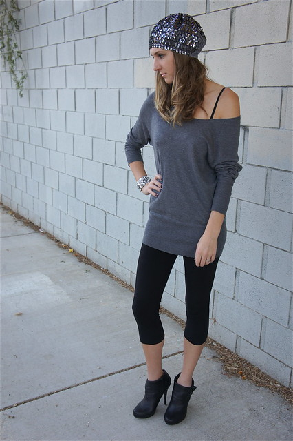 Leggings with gray off shoulder sweater