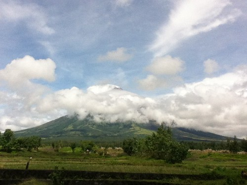 the peak of mount mayon!