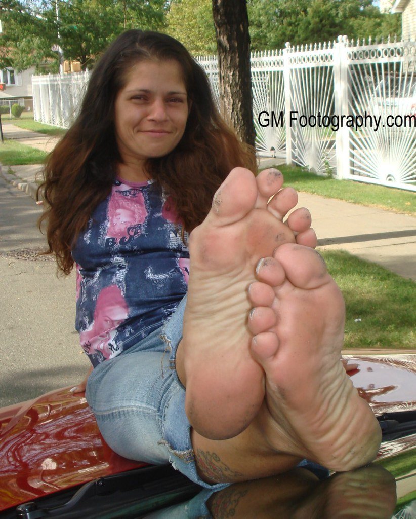 the world's most recently posted photos of barefeet and cars