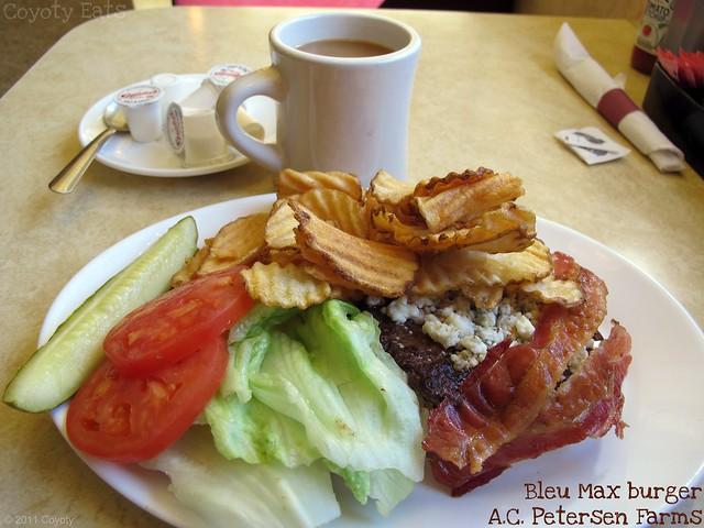 Bleu Max burger and frips