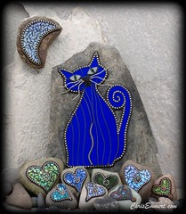 """Cat Turned Blue"" Mosaic on Rock (Chris Emmert) Tags: blue chris black rock stone cat tile mixedmedia mosaics stainedglass glasstile paperweights ballchain emmert gardenstones flickrmosaicartists chrisemmertcom"