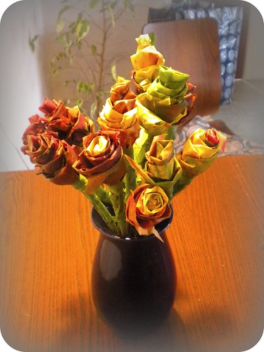 Maple leaf roses
