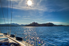 sailing around isola Elba