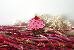 "cupcake_06 • <a style=""font-size:0.8em;"" href=""http://www.flickr.com/photos/40333332@N05/6240123289/"" target=""_blank"">View on Flickr</a>"