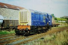 Brechin - 08-09-2001 (agcthoms) Tags: scotland angus brechin class08 caledonianrailway 08046 d3059