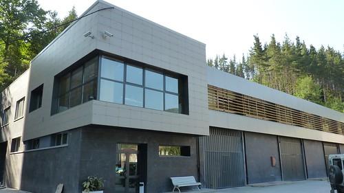 La fotografía muestra la vista exterior del edificio