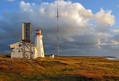 DGJ_4600 - Enrage Point Lighthouse as the sun starts to set (archer10 (Dennis) 83M Views) Tags: lighthouse canada island nikon novascotia free capebreton dennis jarvis d300 iamcanadian cheticamp 18200vr freepicture 70300mmvr dennisjarvis archer10 dennisgjarvis wbnawcnns enragepoint