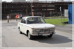 1966 - 1970 BMW 'Neue Klasse' Typ 120 2000 (02) (Georg Sander) Tags: pictures auto new old wallpaper white classic cars 120 blanco car vintage photo automobile 2000 foto shot image photos shots antique picture mobil voiture class photograph coche fotos bmw carro vehicle oldtimer autos bild capture weiss 車 bianco blanc bilder neue klasse depoca captures clássico classique clásico typ automobil سيارة aufnahmen weis автомобиль samochód белый klasik aufnahme царь أبيض klassieke クラシックカー 老爷车 老爺車 klasyczny 白色的 классический