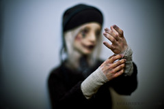 wandering circus - hands (.:Joe:.) Tags: ball skeleton hands doll jester circus alice clown makeup bjd elijah ail labyrinth jointed