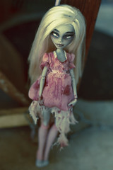 My new dress (Hiritai) Tags: monster george high dolls zombie custom repaint repainted yelps ghulia