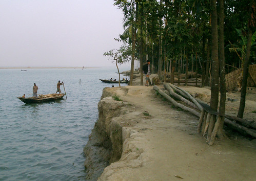 Coast damaged by tidal surge, Bangladesh. Photo by WorldFish, 2002