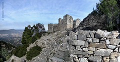 RUIN IN THE SUMMIT (GREECE  ATTICA  DIONYSOS) (KAROLOS TRIVIZAS) Tags: house mountain ruins view stones parthenon greece summit marble acropolis quarry attica stonehouse whitemarble dionysos digitalcameraclub pendeli blinkagain