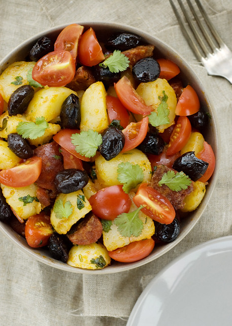 Spanish salad with chorizo