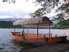 Boat (pletna) in Lake Bled, Slovenia (sblinn) Tags: travel lake alps water boat europe slovenia bled slovenija jezero pletna blejsko