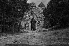 Angkor Thom (Khmer dude ) Tags: sculpture holiday tower art heritage beautiful face asian temple ruins worship asia cambodge cambodia vishnu cambodian khmer buddha buddhist religion culture royal angkorwat carving unesco exotic temples asie d200 siemreap angkor hindu carvings cultural dieu indochine bayon indochina angkorthom dieux bhudda camboja 1755mm jayavarman lokeshvara cambogia jayavarmanvii exoticplace earthasia churningseaofmilk khmerdude khmerheritage dopplr:explore=a081 evalokeshvara