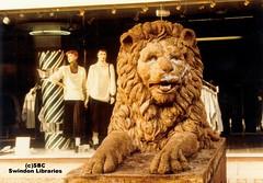 c1981: The 'Golden Lion' on Canal Walk, Swindon (Local Studies, Swindon Central Library) Tags: colour swindon lion 1981 publicart sbc wiltshire 1980s towncentre goldenlion canalwalk attwood phootgraph carletonattwood