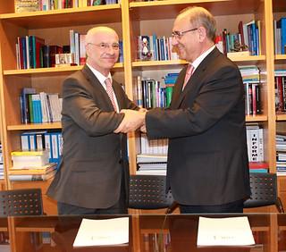 Firma Acuerdo de Colaboración OMC-FIAB