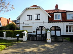 Alberts (e=mc2) amiable abode. (davidezartz) Tags: travel blue windows light red chimney sky brown white house signs black building tree green grass sunshine yellow architecture plaque germany grey nikon gate europe shadows belgium belgique pavement einstein roofs westvlaanderen hedge villa visible alberts abode dehaan emc2 alberteinstein autofocus amiable stays s4000 thegalaxy savoyarde nikonstunninggallery mywinners diamondclassphotographer flickrdiamond citrit 18791955 flickrestrellas quarzoespecial damniwishidtakenthat however~itsstillmylife mygearandme nikons4000 nikoncoolpixs4000 flickrtravelaward flickrstruereflection1 germanamericantheoreticalphsicist albertsemc2amiableabode albertsamiableabode 29march1933 9september1933