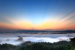 台南二寮的晨曦 / Before sunrise at Erliao (kth517) Tags: taiwan tainan 台灣 台南 晨曦 二寮 erliao 霞光 beforesunriseaterliao