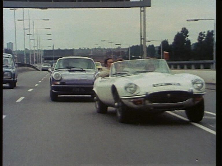 1972 Jaguar E-Type 5.3 Roadsterand 1973 Porsche 911