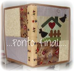 ...Capa em patchwork... (Ponto Final - Patchwork) Tags: verde quilt handmade capa fabric cotton coração patchwork marrom xadrez aplicações patchcolagem caseado casinhadepassarinho capadeagenda