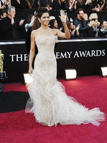 Halle Berry oscar 2011