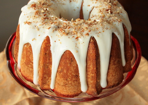 Jolts & Jollies: Bourbon Pecan Pound Cake with Bourbon Glaze