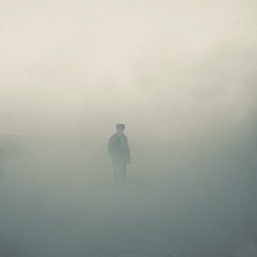 alone,fog,man,center,minimalism,portrait-a589b91c9725538aa04e6db3f6c2f9d0_h
