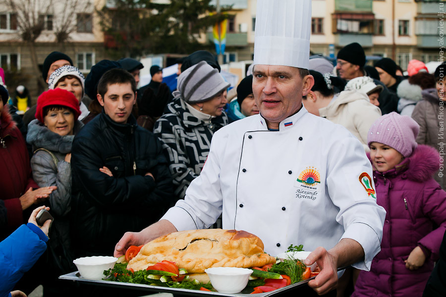 20111104-0179-Chebarkul-festival-pelmeney