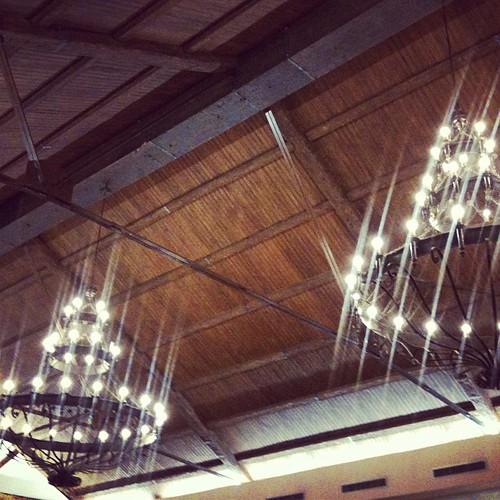 De boda y parecen las lámparas de Harry Potter!! by rutroncal