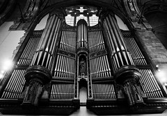 what a set of pipes! (~ cynthiak ~) Tags: chicago exploring pipes organ photowalk hydepark universityofchicago rockefellerchapel beautifulmusic camaraderie chicagoistcom emskinnerorgan