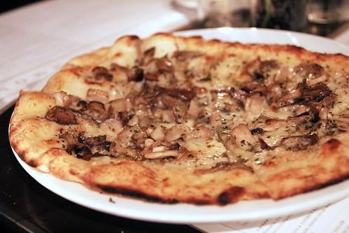 Wild mushroom pizza by Caroline on Crack